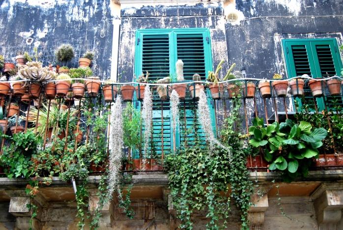 A Ragusa i balconi profumano