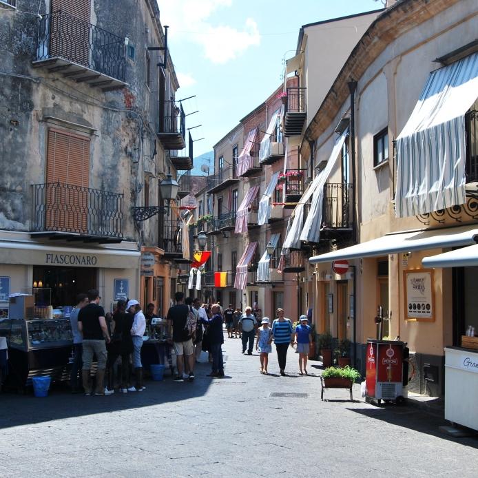 Fiasconaro e Naselli in piazza Margherita a Castelbuono