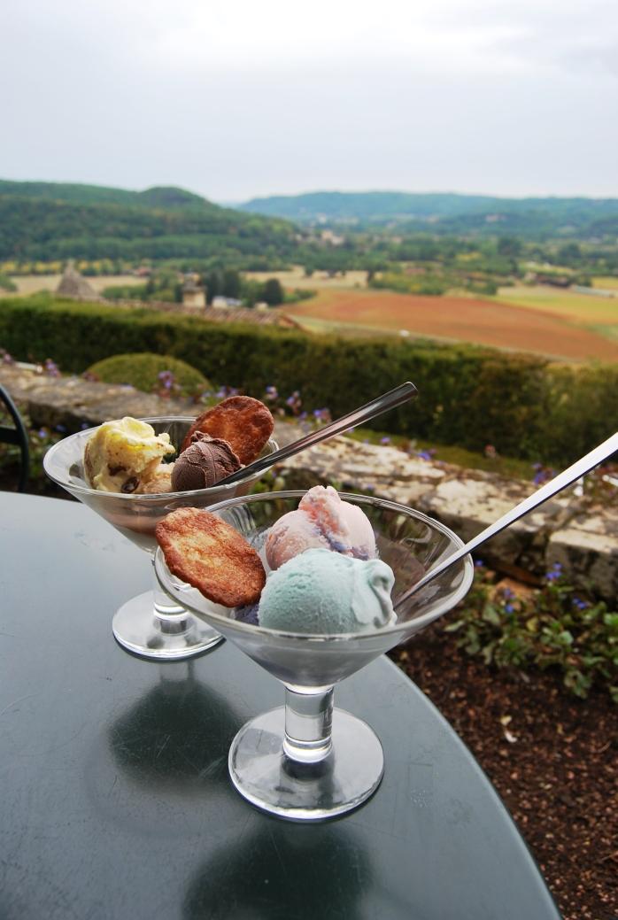 I gelati di Roland Manouvrier. Rosa, lavanda, violetta di Dordogna...