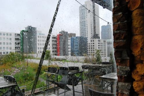 Op Het Dak. Parte dell'orto sulla terrazza