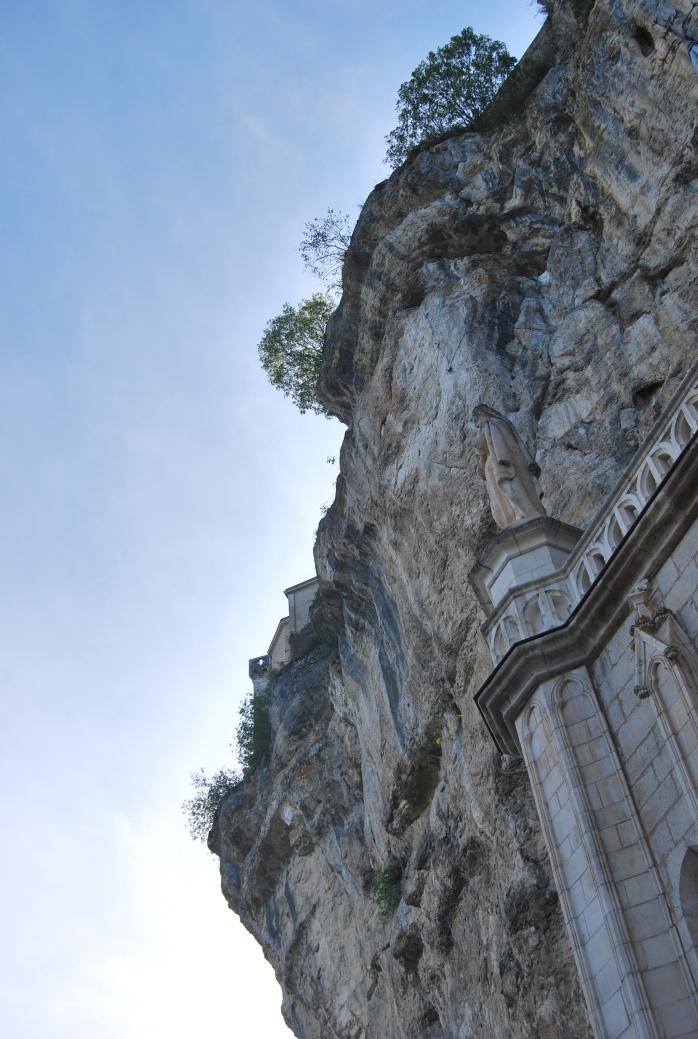 Rocamadour, funambola sulla nuda pietra