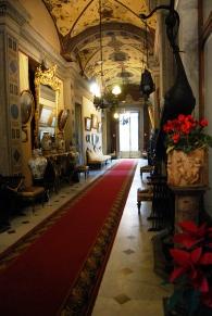 Il sontuoso corridoio principale
