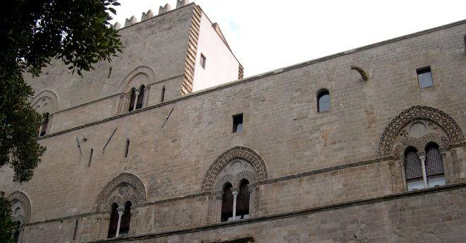 """Palazzo Chiaramonte, noto come lo """"Steri"""", è uno dei luoghi simbolo della città di Palermo. Racchiude sette secoli di arte e di storia della Sicilia"""