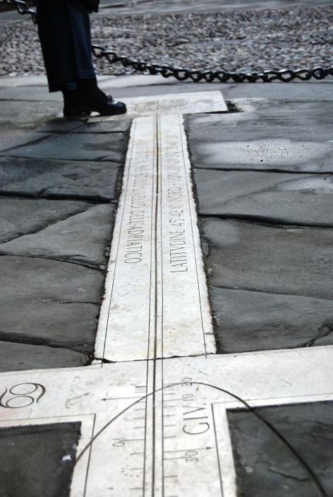 Bergamo. La Meridiana in Piazza Vecchia