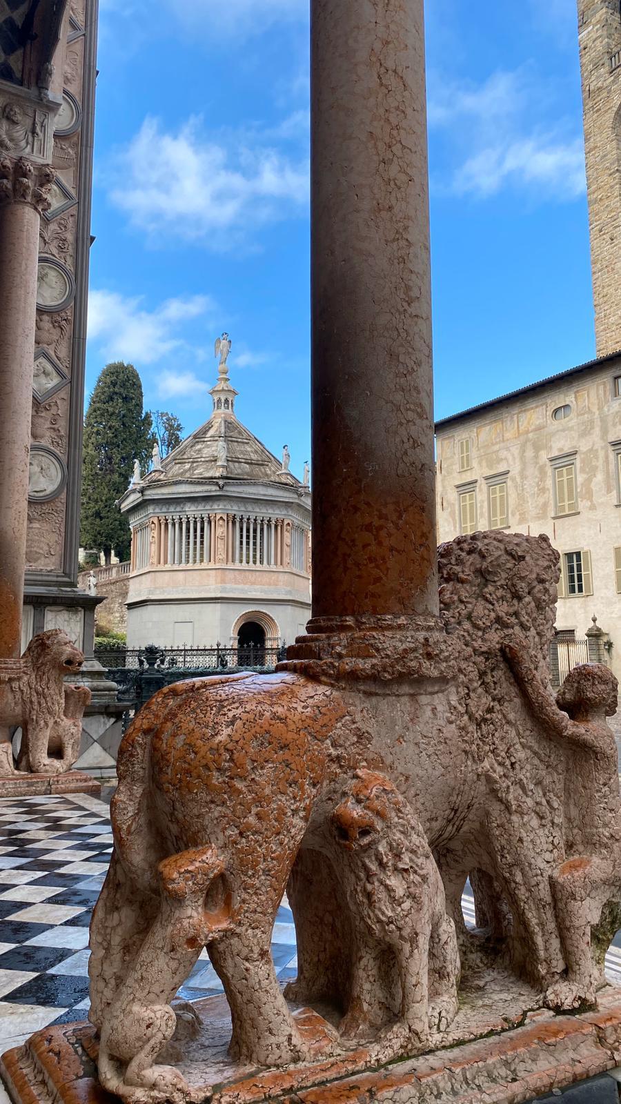 Bergamo. Santa Maria Maggiore e il Battistero