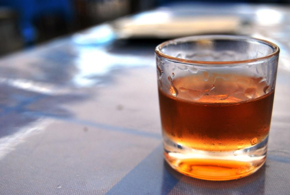 Ron Miel, rum invecchiato e miele. Per lunghe e dolcissime serate a Lanzarote