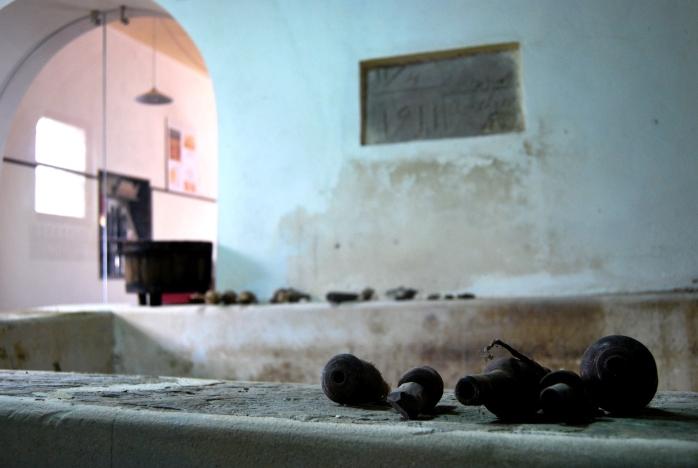 L'antico casale del Settecento con le vasche, gli strumenti e i profumi della tradizione