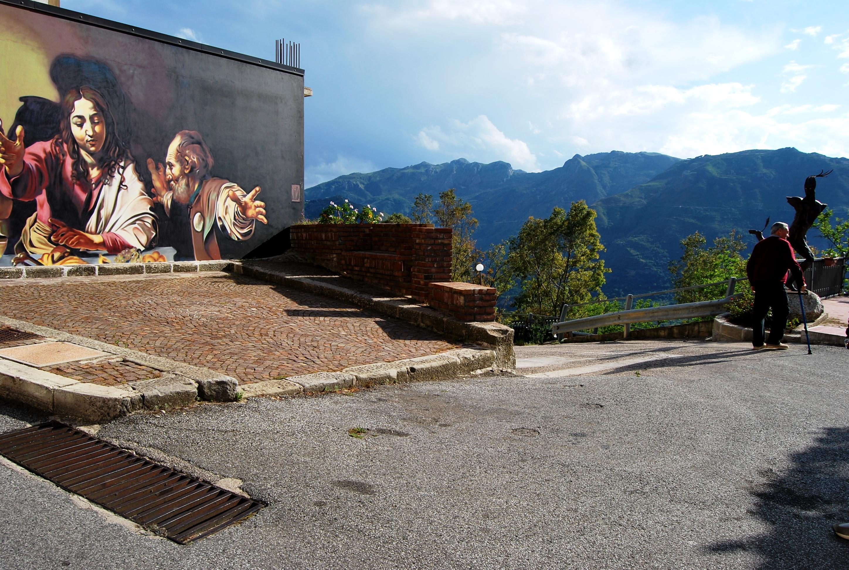 Tra sacro e profano. Street art a San Salvatore di Fitalia