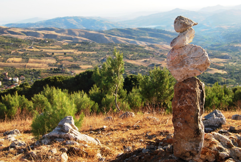 Un palcoscenico naturale sospeso sui Monti Sicani in Sicilia