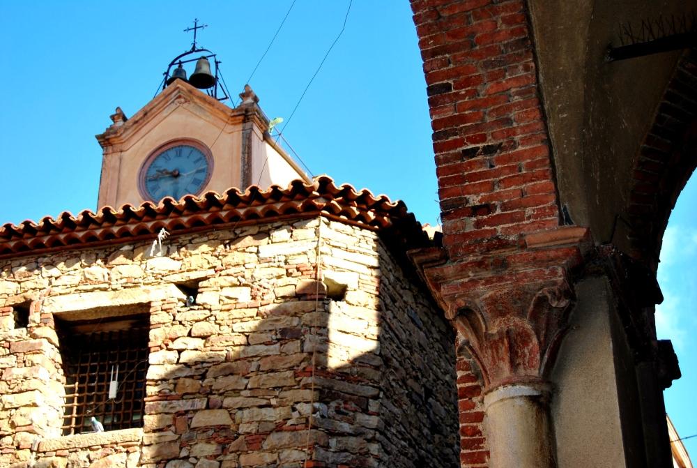 La Torre dell'Orologio batte il tempo su Piazza Margherita