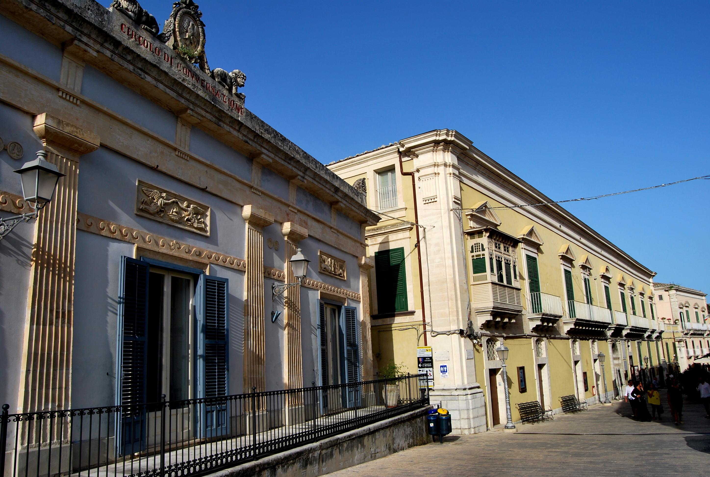 Il Circolo di Conversazione e a seguire Palazzo Arezzo Donnafugata
