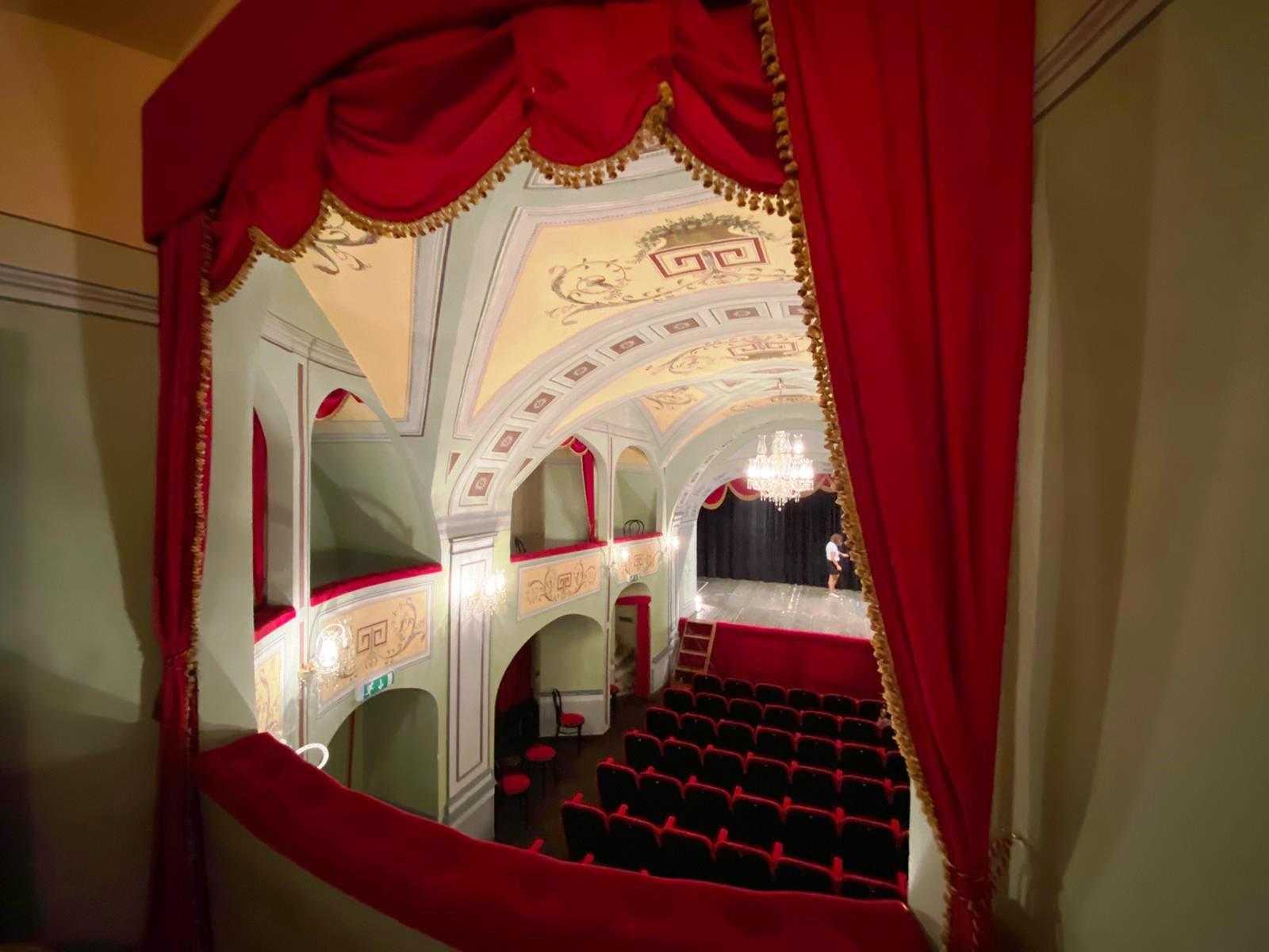 Teatro Donnafugata. Il gioiello di Palazzo Arezzo Donnafugata