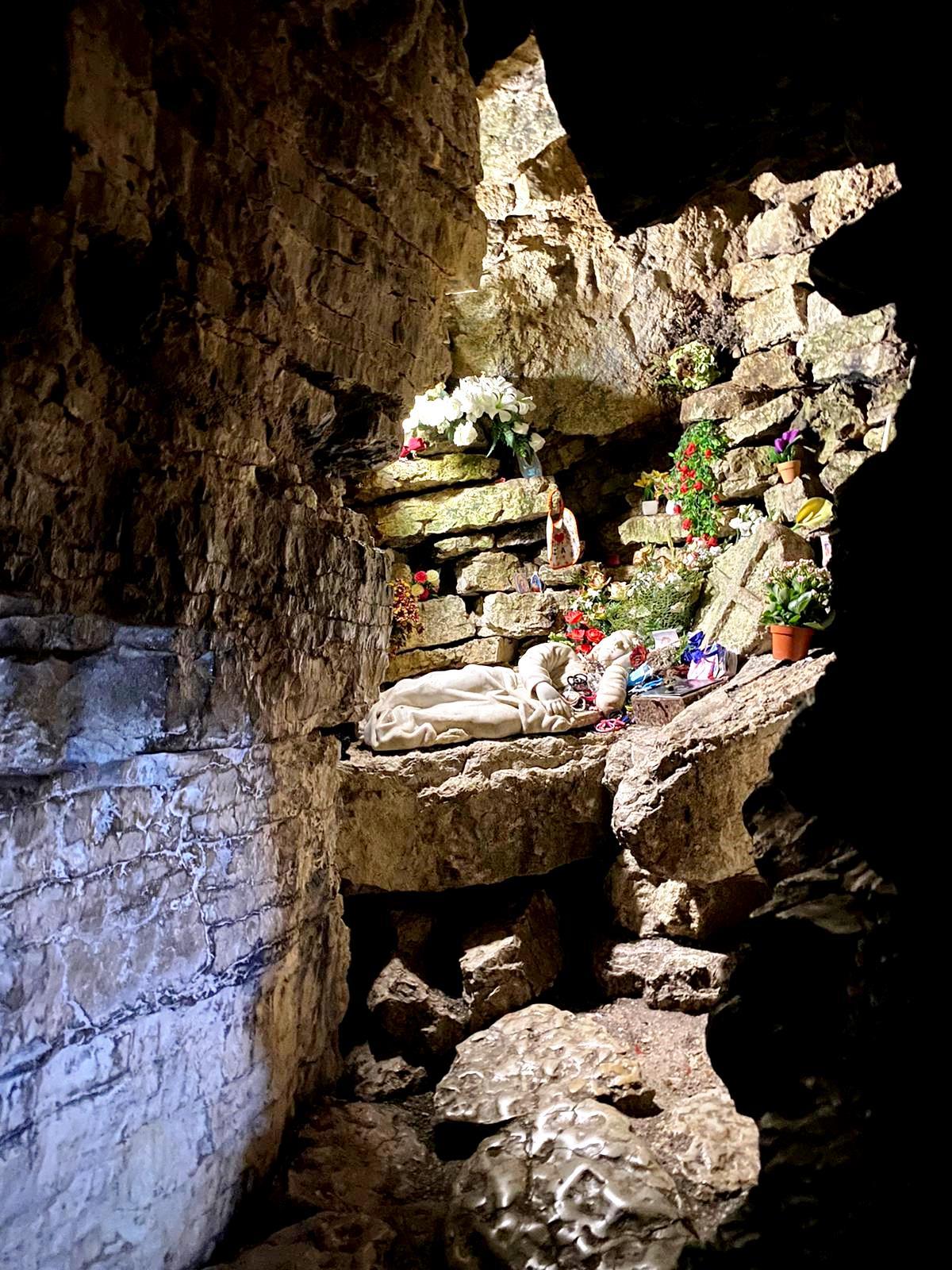 Santa Rosalia e la grotta a Santo Stefano Quisquina